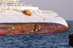 Costa-concordia-fuel-spill-1-537x356